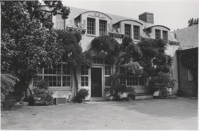 Fellows' Quarters and Yard