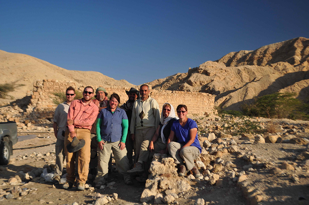 Fig. 2: Wadi 'Araba Earthquake Project Team Photo, January 2014 (Niemi 2013–2014)