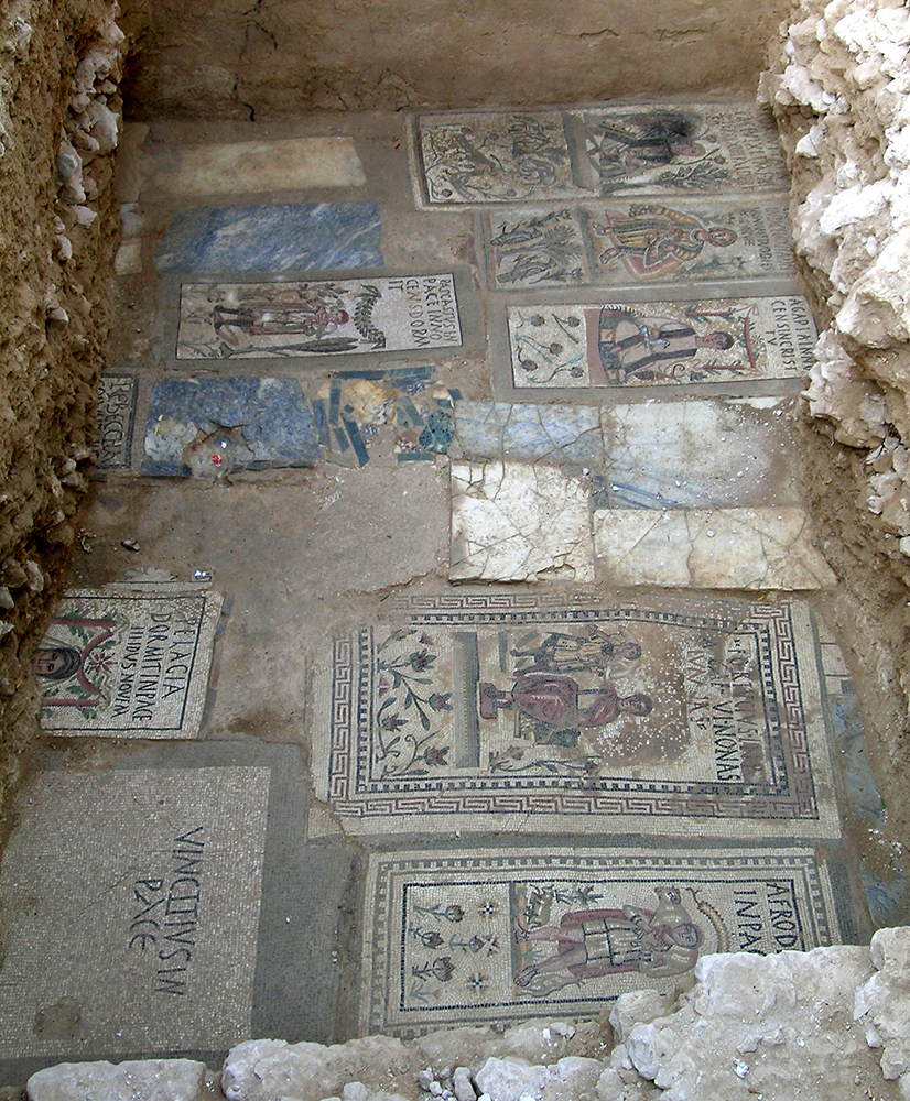 Fig. 4: Overview of the floor of the Large Vaulted Room (Stevens 2006–2007)