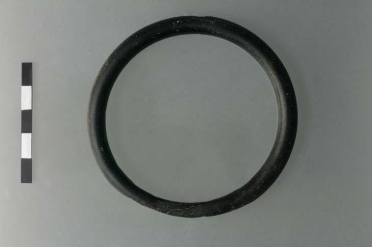 Fig. 10: Glass bracelet (Y5) (Bourbou 2010–2011)