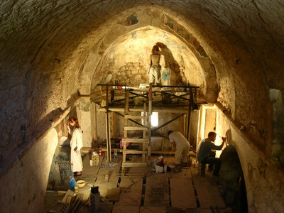 Fig. 5: Interior of the church during restoration work (Waliszewski and Chmielewski 2009–2010)