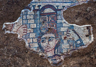Fig. 2: Mosaic showing Samson carrying the gate of Gaza on his shoulders (Magness 2013–2014)