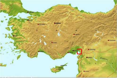 Fig. 1: Map of Turkey and Eastern Mediterranean with the Bay of İskenderun region highlighted in red (Killebrew 2010–2011)