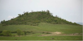 Fig. 1: Dobri Dyal from the north, 2007 (Poulter 2010–2011)