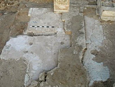 Fig. 12: Detail of phased flooring on the southern rooms of the Tri-Conch chapel after cleaning (Brooks Hedstrom 2006–2007)