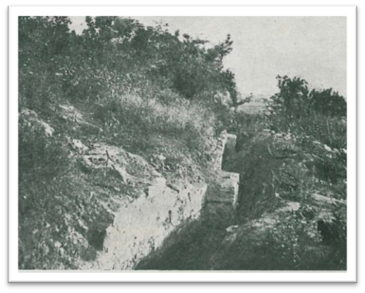 Fig. 23: Photograph taken of a section of the upstanding defenses, excavated in 1933 (Poulter 2010–2011)
