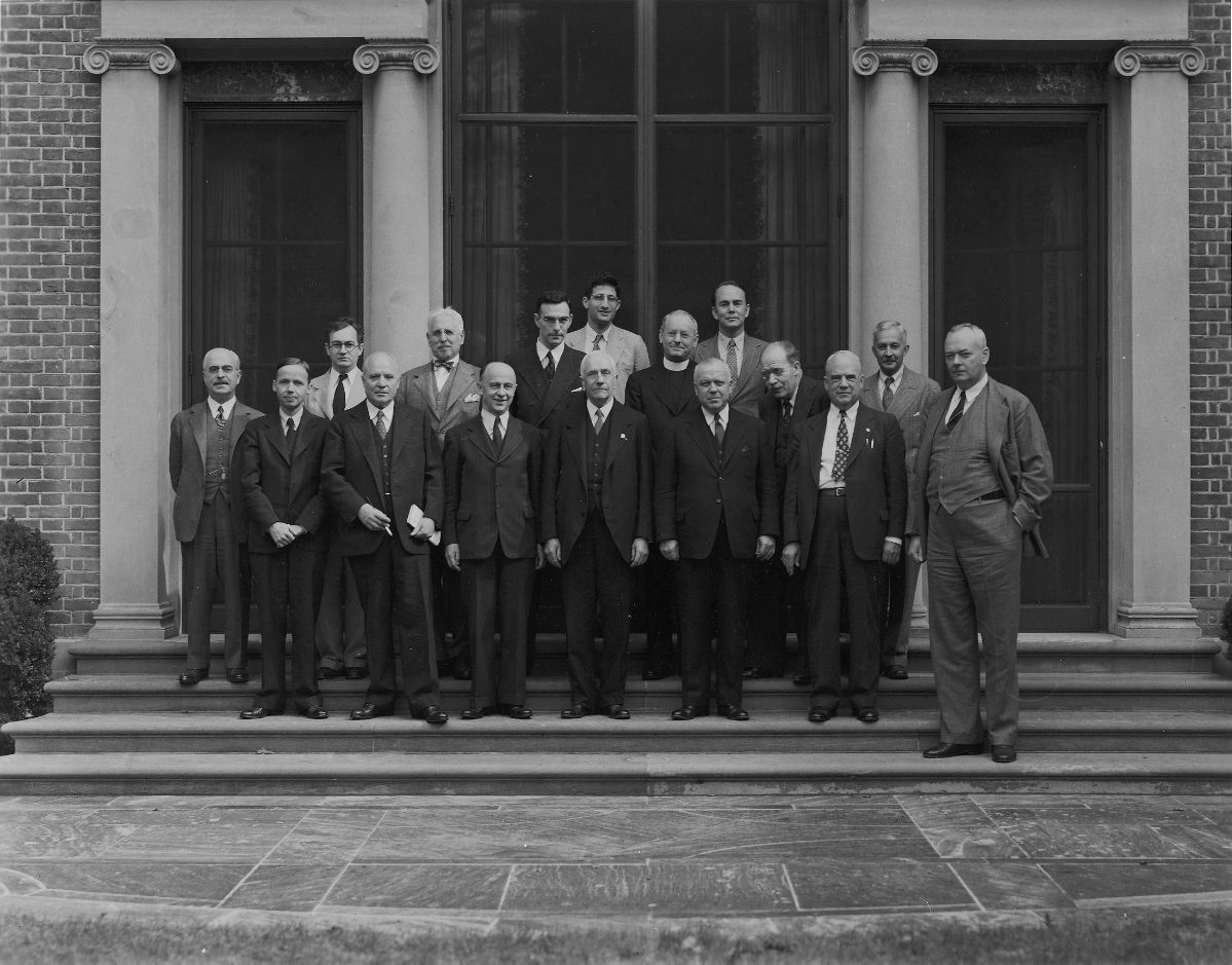 1945 Byzantine Studies Symposium Group Photo