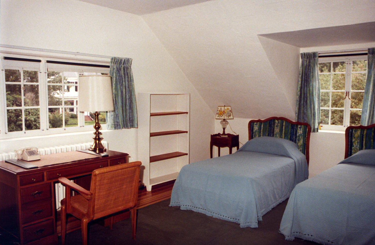 Fellows Building Bedroom, 1981