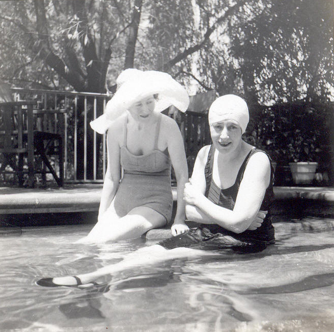 Mildred Bliss and friend at the Dumbarton Oaks swimming pool