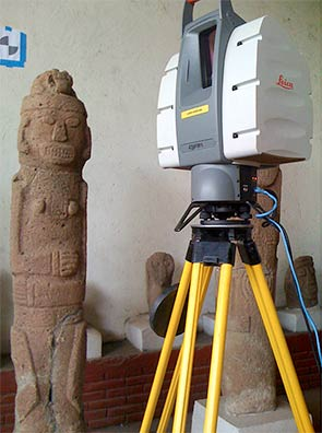 Fig. 4: 3D Scanning equipment at work at the Museo Arqueológico Gregorio Aguilar Barea (Geurds 2009–2010)
