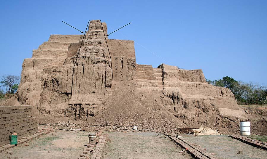 Fig. 6: Excavation process of the west façade (Daneels 2007–2008)