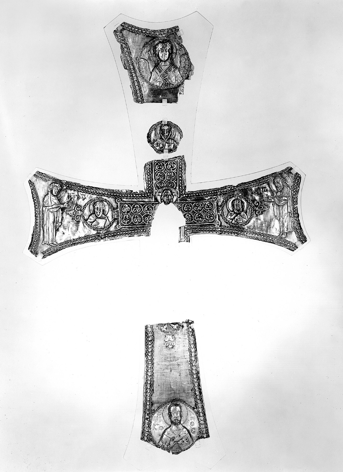 BZ.1921.6–9, Fragments of a Cross