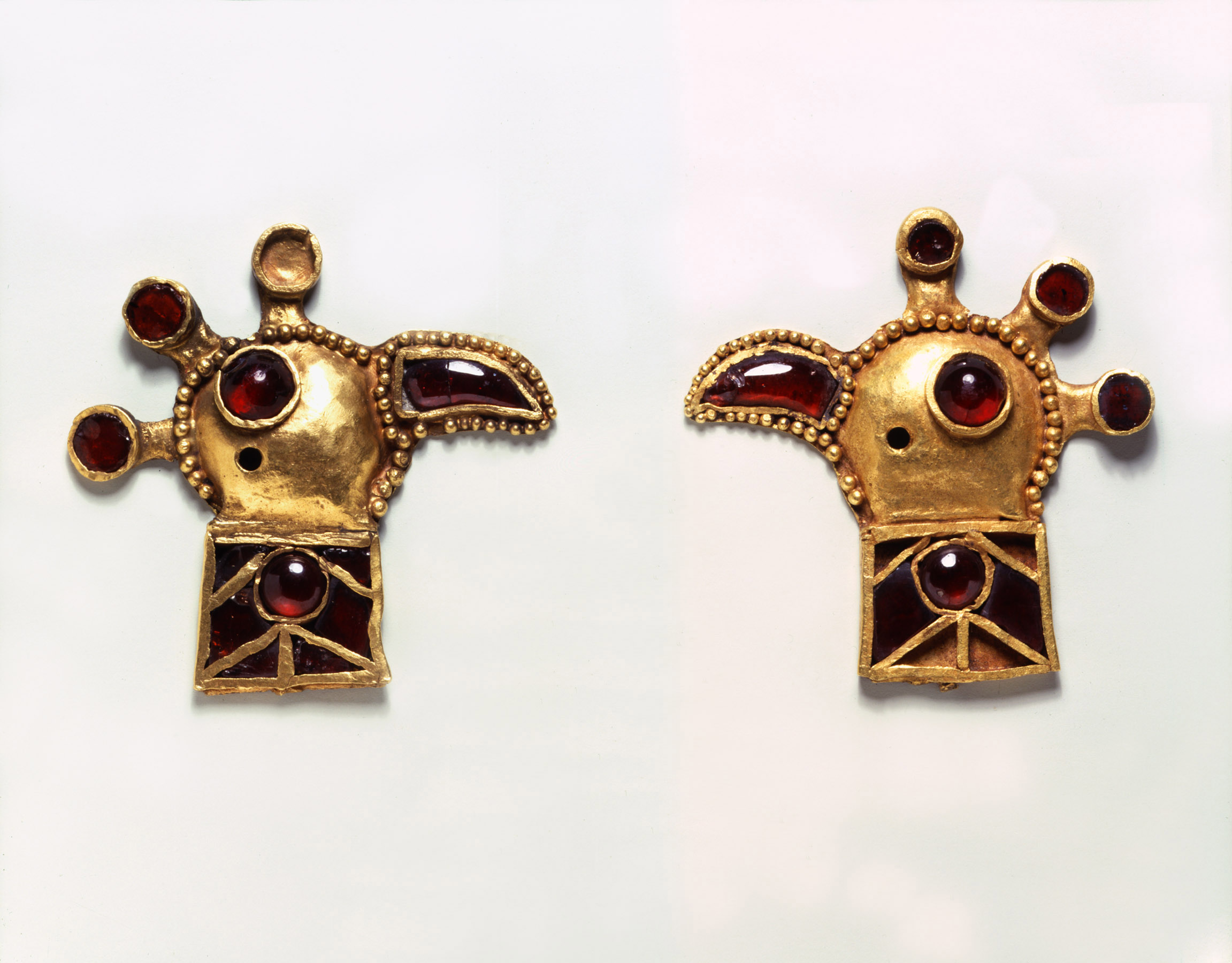 BZ.1936.27–28, Pair of Peacock-Head Appliques