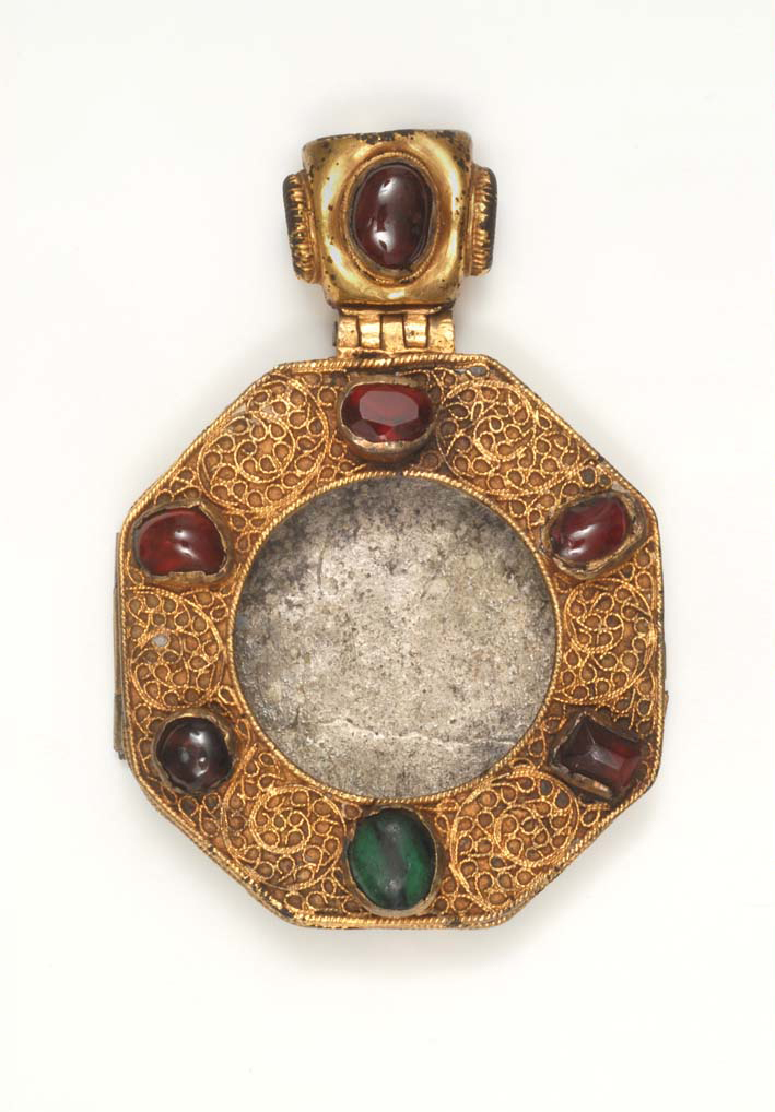 BZ.1937.19, Reliquary Pendant with St. Stephen
