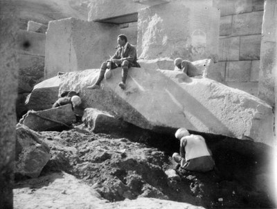 Seated man is possibly Henri Frankfort (1897-1954), field director of the excavations in Abydos from 1925-1929