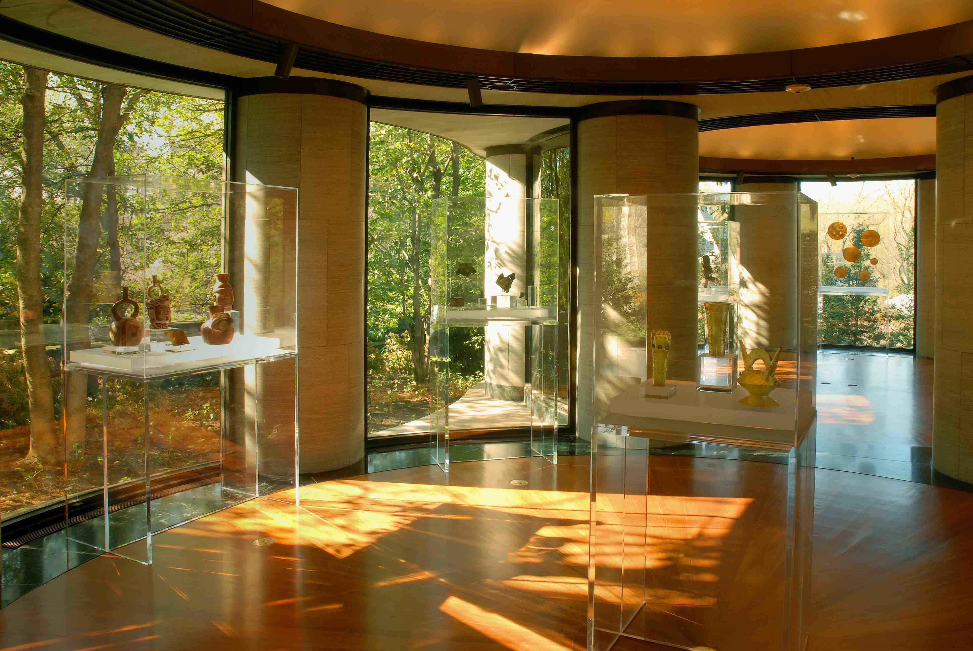 Critical appraisal of the philip johnson pavilion for Interior home designers and washington dc