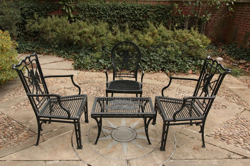 Star Garden, Furniture