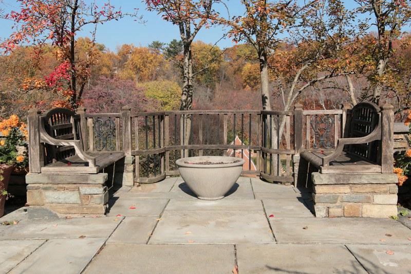Arbor Terrace, Benches